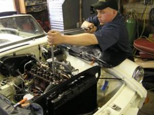 John retorques the MGB cylinder head